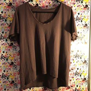 Everlane T shirt maroon large